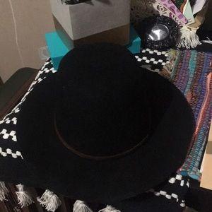 Brixton round hat